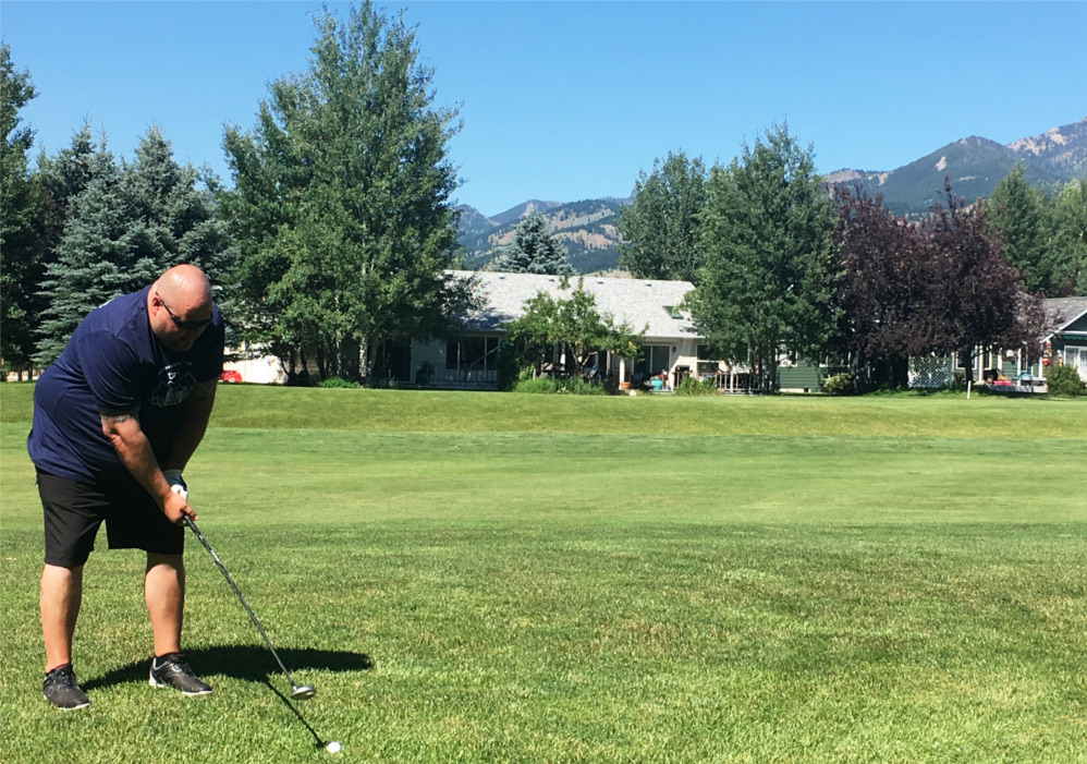 The TRG Team celebrates the Summer Montana Esprit de Corps day with some golfing.