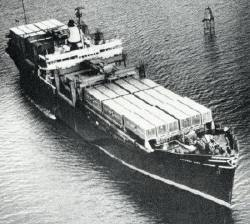 the ideal x was the first container ship ever created